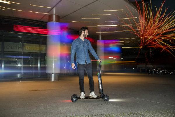 c4cf90f6-2019-audi-e-tron-scooter-concept-14