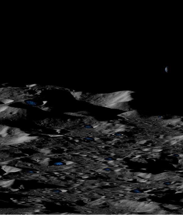 یخ روی ماه