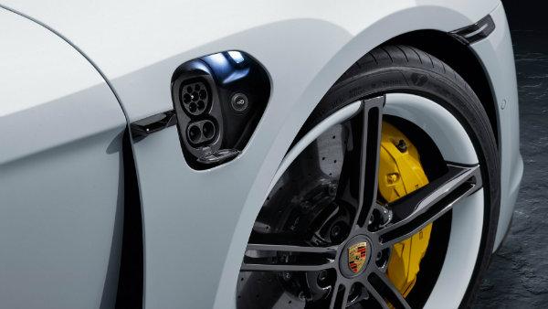 74a610f1 2020 porsche taycan unveiled 10 نگاهی به آینده تکنولوژی باتری؛ آیاانقلاب صنعتی بعدی در راه است؟ اخبار IT
