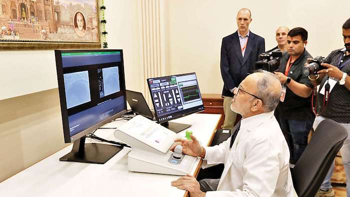 نخستین جراحی رباتیک از راه دور روی قلب با موفقیت در هند انجام شد