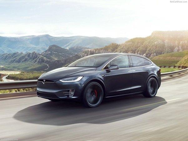 تسلا قصد دارد با تصاحب شرکت های باتری سازی تولید باتری لیتیوم-یون را سرعت ببخشد