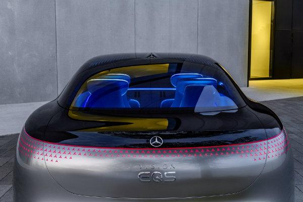 e246384e-mercedes-vision-eqs-unveiled-22
