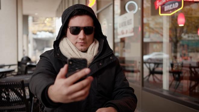 توضیحات اپل در مورد علت کار نکردن فیس آیدی با عینک آفتابی