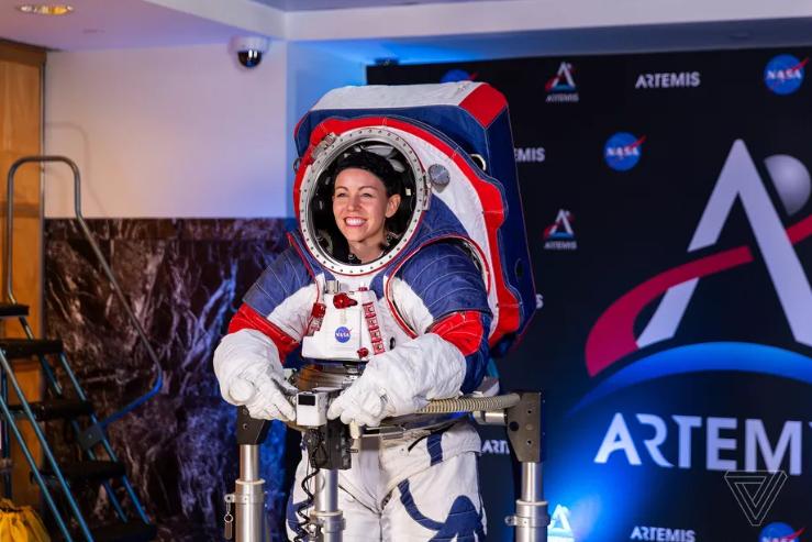 لباس فضانوردی xEMU