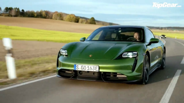 Porsche Taycan Turbo S vs Tesla Model S_ DRAG RACE, FULL REVIEW AND VMAX _ Top Gear (2)