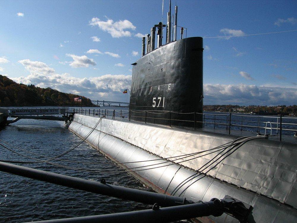 زیردریایی هسته ای یو اس اس ناتیلوس
