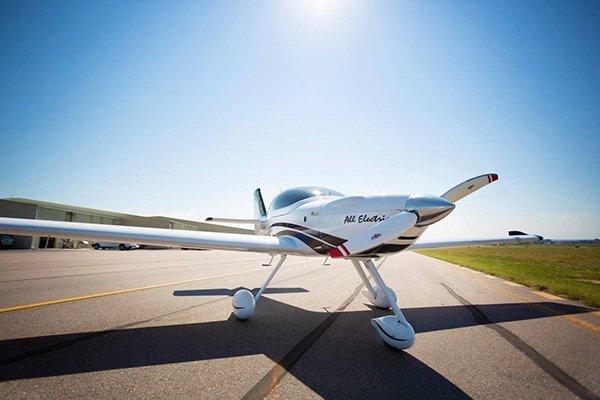 افزایش دو برابری برد هواپیماهای برقی با استفاده از باتری لیتیوم گوگرد