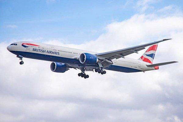 چرا نمیتوان حین پرواز درب خروج اضطراری هواپیما را باز کرد؟