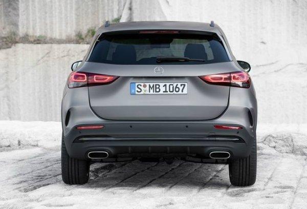 Mercedes-Benz-GLA-2021-800-16