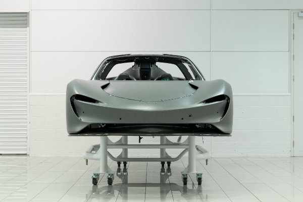 mclaren-speedtail-hits-250-mph-top-speed-deliveries-start-february-2020_12