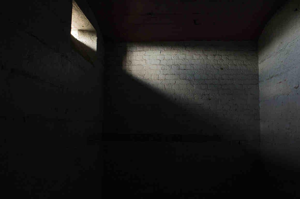 زندان انفرادی آثار مخربی روی مغز می گذارد