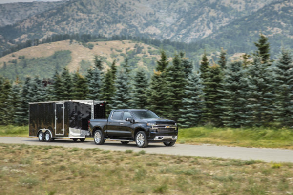 2019-Chevrolet-Silverado-High-Country-towing-a-trailer-in-Wyoming-001