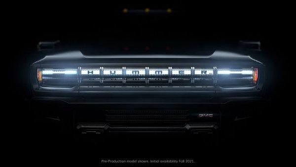 GMC HUMMER EV 1 768x432 هامر برمیگردد؛ سوپرپیکاپی برقی با 1000 اسب بخار قدرت و شتاب باورنکردنی اخبار IT