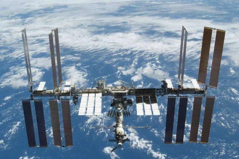 اسپیس ایکس سال 2021 سه توریست را به ایستگاه فضایی بین المللی حمل می کند