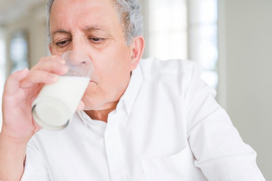رابطه بین مصرف شیر کم چرب و پیری