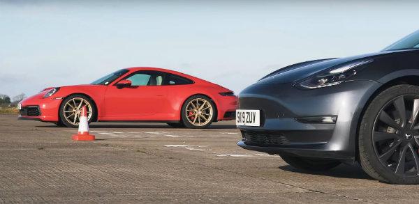 مسابقه درگ پورشه 911 و تسلا مدل 3