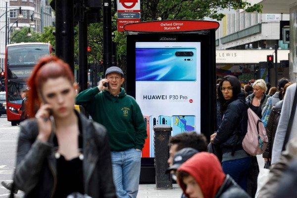 چراغ سبز بوریس جانسون به هواوی برای توسعه شبکه 5G بریتانیا