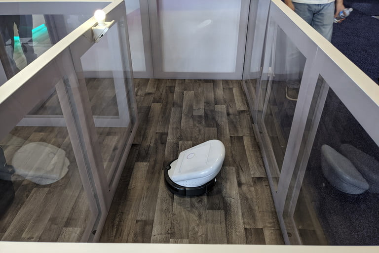 ربات شارژ از راه دور