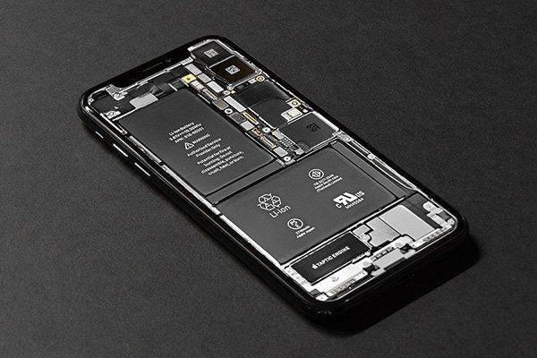 فشار اروپا بر تولیدکنندگان موبایل برای تعویض آسان باتری
