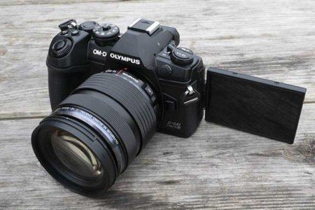 دوربین الیمپوس OM-D E-M1 Mark III معرفی شد؛ عکاسی نجومی دستی