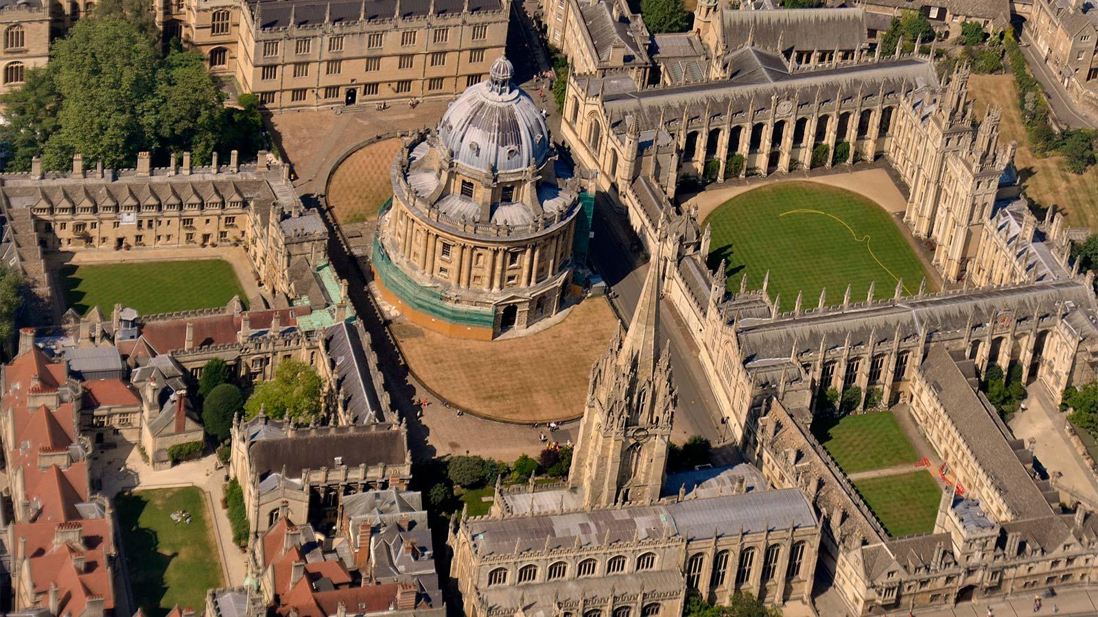 تصویری از دانشگاه آکسفورد