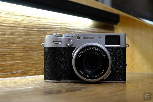 دوربین X100V فوجی فیلم