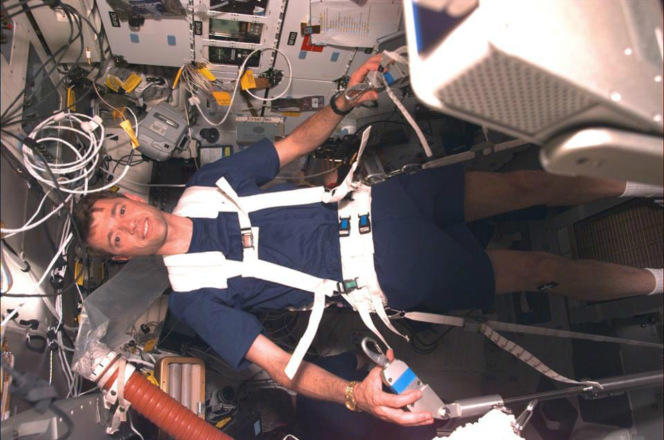 SocialIsolationinSpace 05 چگونه در قرنطینه خانگی دوام بیاوریم؟ فضانوردان ناسا پاسخ می دهند اخبار IT