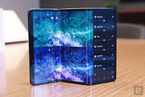 tcl tri fold foldable tablet concept hands on 1 4 نگاه نزدیک به گوشی رول شونده TCL [تماشا کنید] اخبار IT