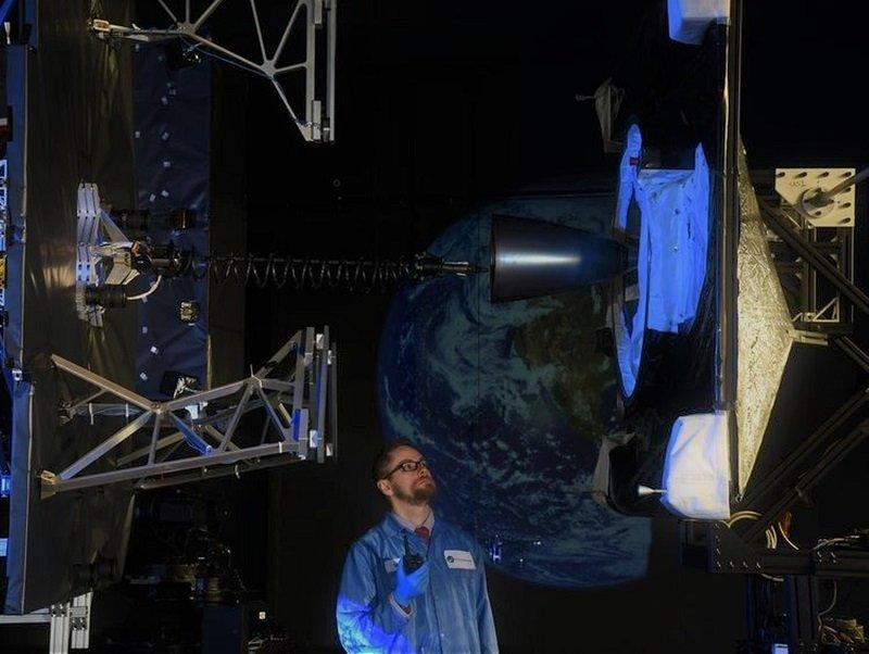 ماهواره اینتلست ۹۰۱