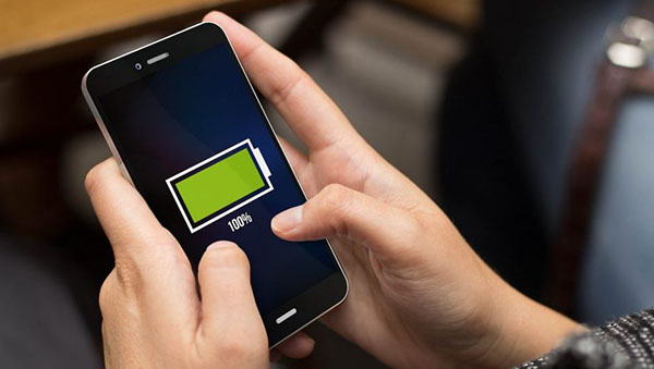 AdobeStock 92017309 1 e1525365973836 چرا عمر باتری موبایل شما هیچ ارتباطی به ظرفیت باتری آن ندارد؟ اخبار IT