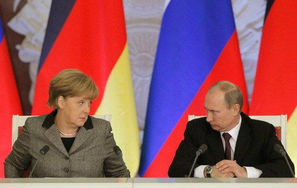 آنگلا مرکل هکرهای وابسته به روسیه را به هک ایمیل های شخصی متهم کرد