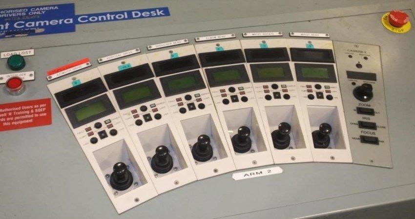 Ex Nuclear Plant Reactor Control Monitoring System کنترل پنل نیروگاه هستهای سر از حراجی درآورد؛ ثبت دهها پیشنهاد برای خرید اخبار IT