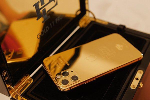 شاهکار جدید شرکت اسکوبار: فروش آیفون ۱۱ پرو تعمیری با پوشش طلا به نصف قیمت