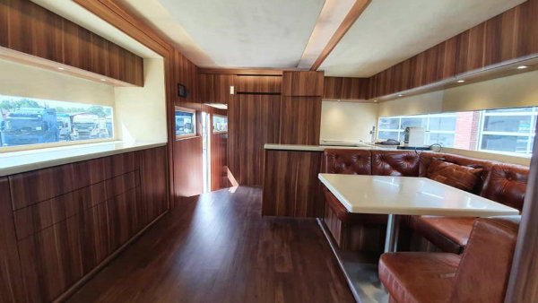 scania motorhome 2 لذت زندگی در یک خانه متحرک: با کاروان لوکس اسکانیا آشنا شوید اخبار IT