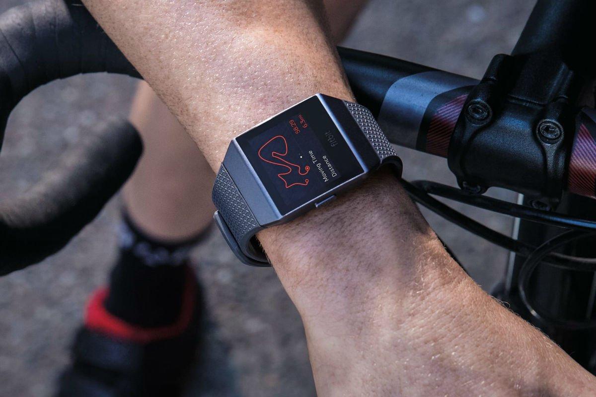 خرید ساعت هوشمند فیت بیت آیونیک