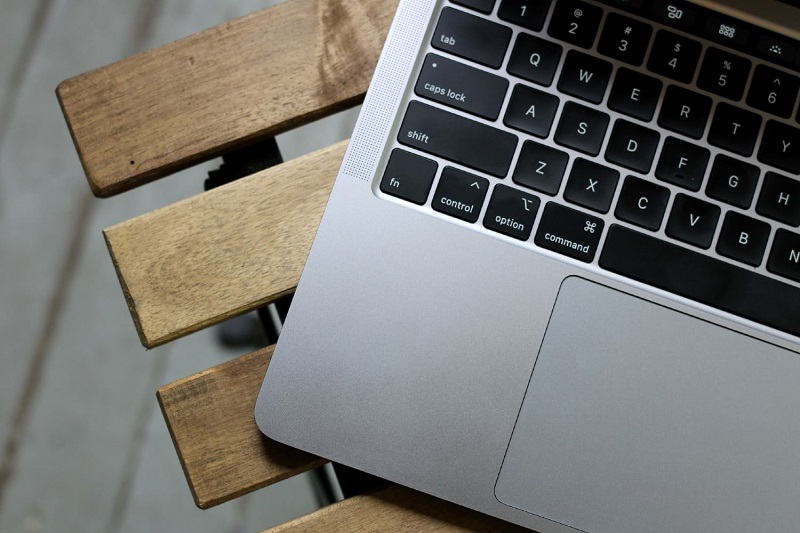 macbook pro 13 2020 2 زمان آن است تا اپل یک مکبوک SE بسازد اخبار IT