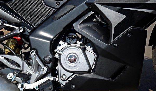 2017 Bajaj RS200 13 بررسی موتورسیکلت پالس RS200؛ مزایا، معایب و قیمت در بازار اخبار IT