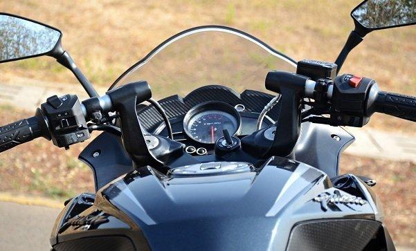 2017 Bajaj RS200 14 بررسی موتورسیکلت پالس RS200؛ مزایا، معایب و قیمت در بازار اخبار IT