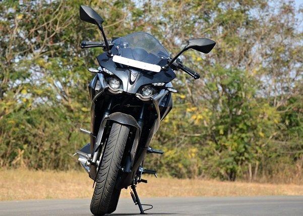 2017 Bajaj RS200 22 بررسی موتورسیکلت پالس RS200؛ مزایا، معایب و قیمت در بازار اخبار IT