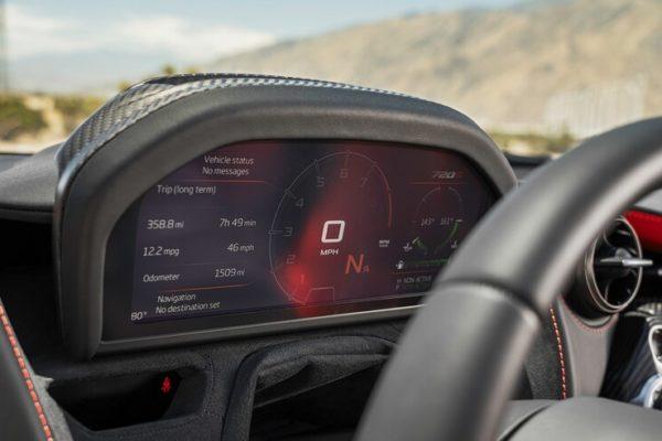 2020 McLaren 720S Spider 18 600x400 رقابت داغ پورشه 911 توربو S، مک لارن 720S و مرسدس AMG GT R در بازار سرد صنعت خودروسازی جهان اخبار IT