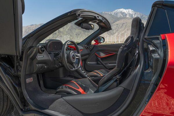 2020 McLaren 720S Spider 23 600x400 رقابت داغ پورشه 911 توربو S، مک لارن 720S و مرسدس AMG GT R در بازار سرد صنعت خودروسازی جهان اخبار IT
