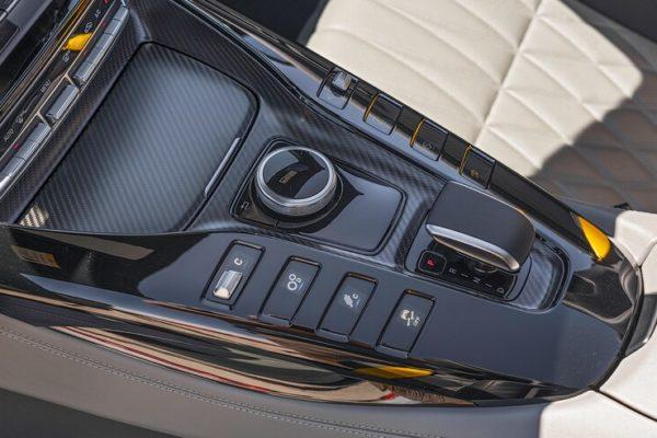 2020 Mercedes AMG GT R Roadster 19 1 600x400 رقابت داغ پورشه 911 توربو S، مک لارن 720S و مرسدس AMG GT R در بازار سرد صنعت خودروسازی جهان اخبار IT