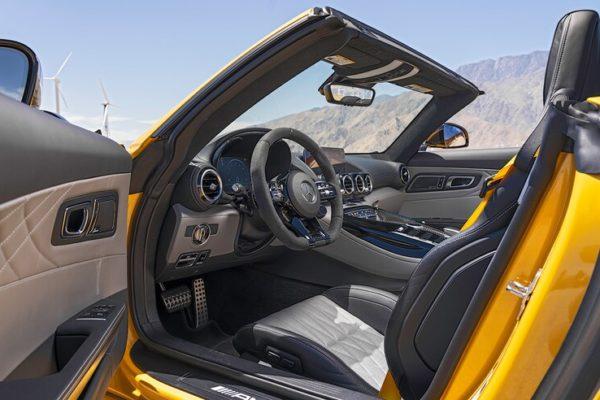 2020 Mercedes AMG GT R Roadster 29 1 600x400 رقابت داغ پورشه 911 توربو S، مک لارن 720S و مرسدس AMG GT R در بازار سرد صنعت خودروسازی جهان اخبار IT