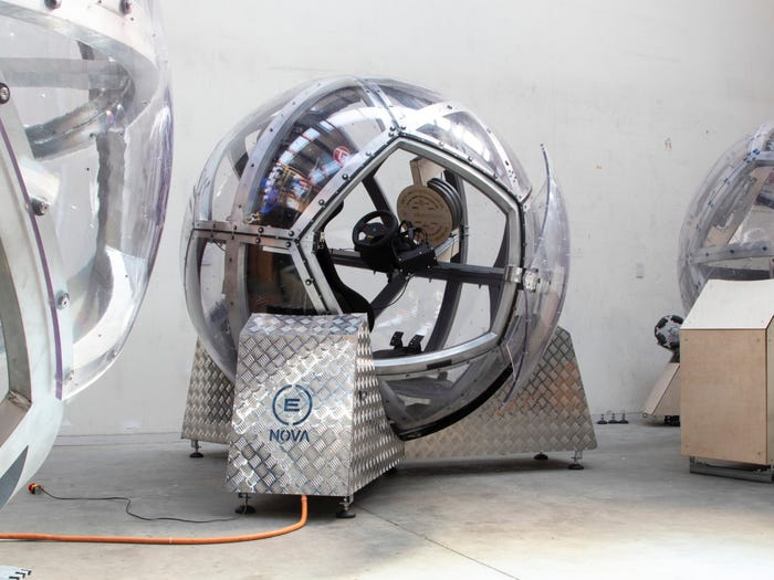 Nova 1 شبیهساز ۱۵۰ هزار دلاری «نوا» چگونه حس پرواز با جنگنده را منتقل میکند؟ اخبار IT