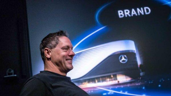 gorden wagener mercedes benz chief designer مدیر طراحی دایملر: تغییر ماهیت مرسدس بنز از خودروسازی به سبک زندگی اخبار IT