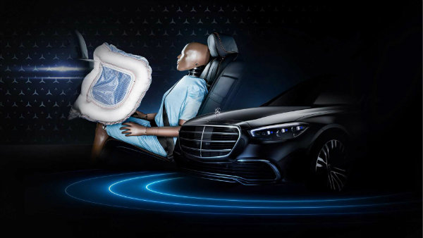 new mercedes s class rear seat front airbags teaser اولین ایربگ مخصوص سرنشینان صندلی عقب؛ نوآوری تازه مرسدس بنز S کلاس جدید اخبار IT