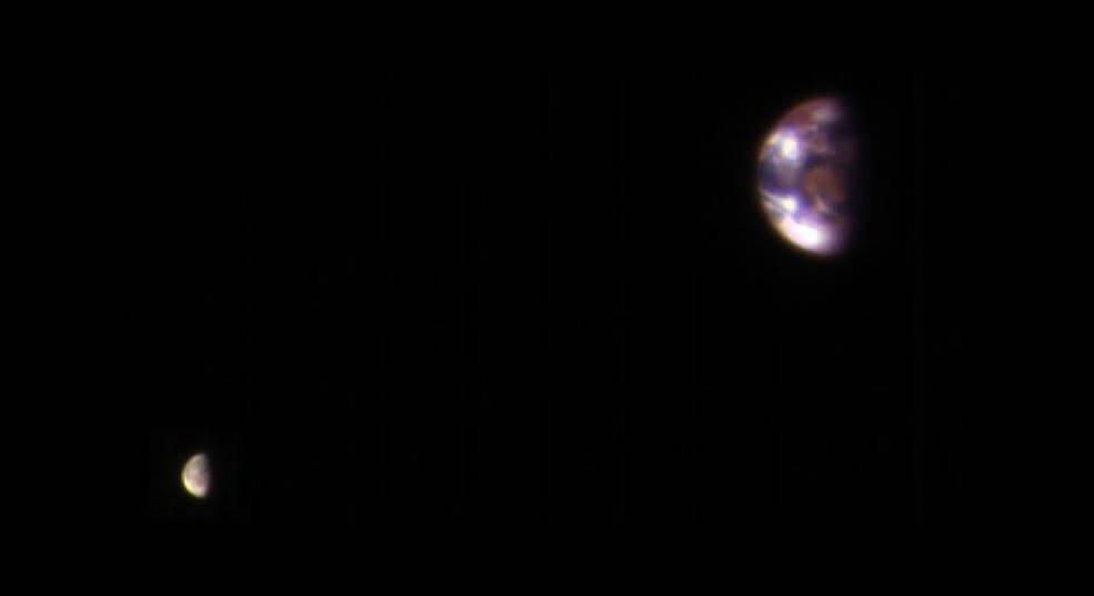 6 earth and moon pia21260 1041 ناسا گزیده ای از عکس های کاوشگر مریخ طی ۱۵ سال اخیر را منتشر کرد اخبار IT