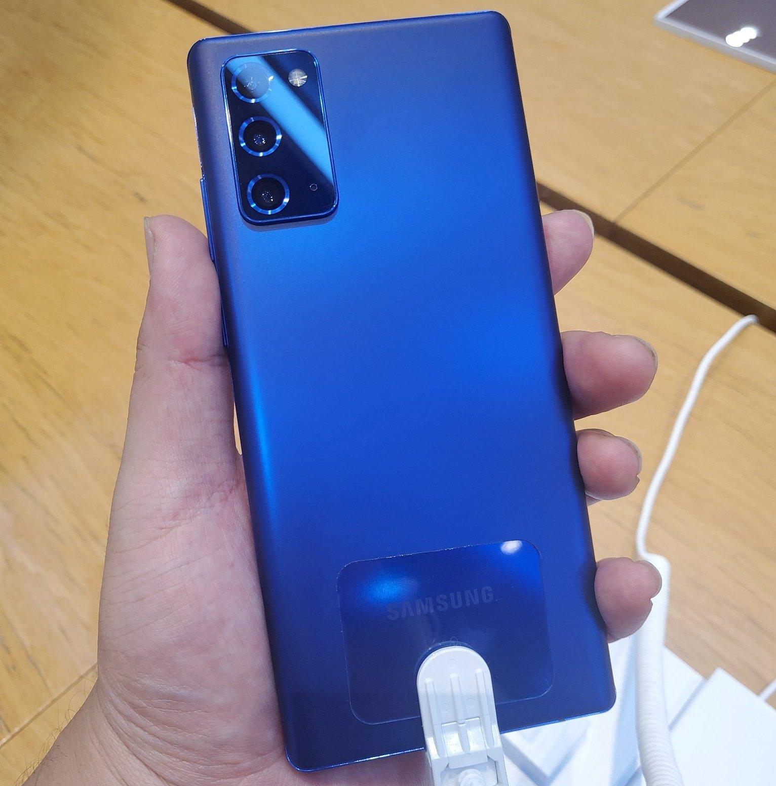 گوشی جدید سامسونگ گلکسی نوت 20 با سه رنگ قرمز ، آبی و صورتی عرضه می شود رنگ های نوت 20