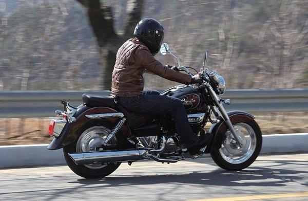 Hyosung Aquila 250 1 بررسی موتورسیکلت هیوسانگ آکویلا 250؛ هارلی دیویدسون کرهای اخبار IT