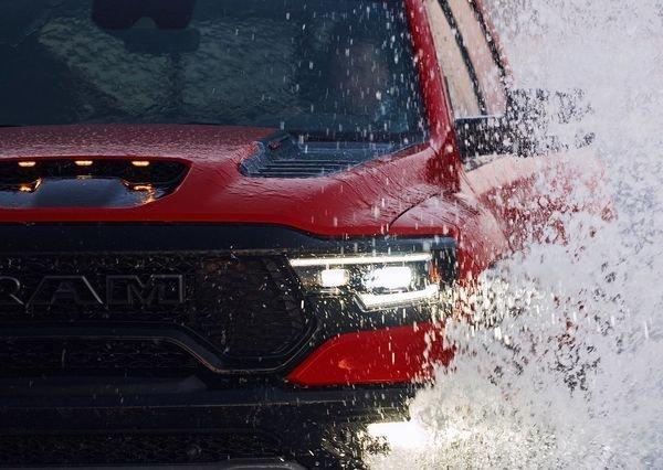 Ram 1500 TRX 2021 30 دوج رم 1500 TRX؛ قدرتمندترین و سریعترین پیکاپ جهان برای شکار فورد رپتور معرفی شد اخبار IT